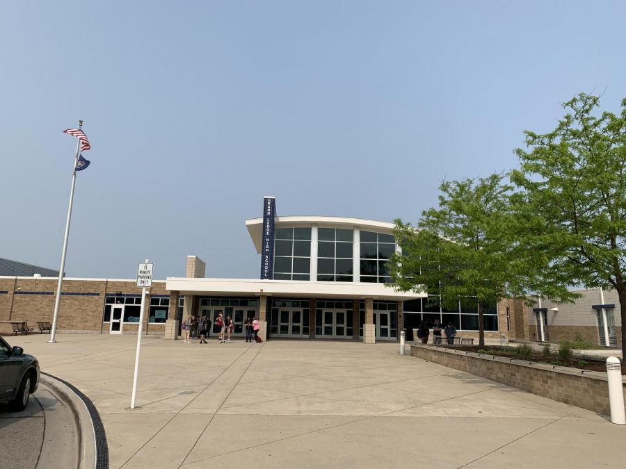 Grand+Ledge+High+School%27s+last+day+of+school+is+June+4th%2C+2019.+The+graduating+Senior+class%27+last+day+was+on+May+24th.+